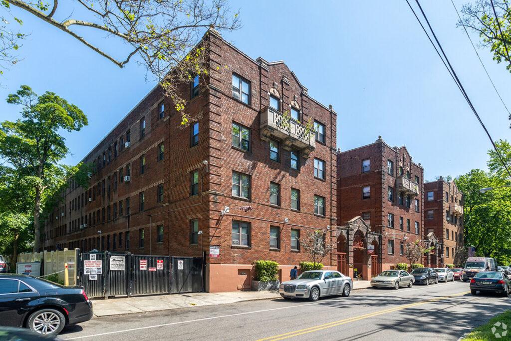 Lennox Apartments